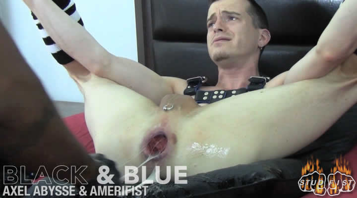 Muscle homo arse stab with facial
