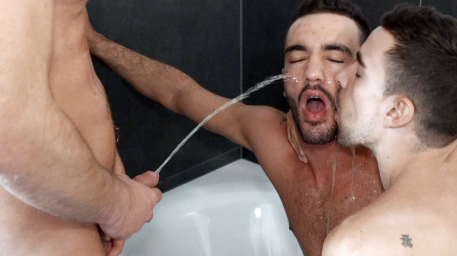 Dvd gay piss
