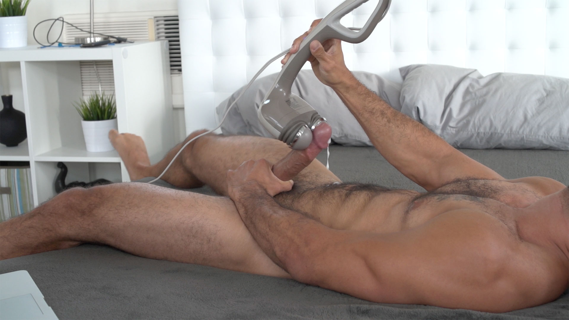 Austin Wilde - Orgasm By Massager - Gay - Wanna Know How -5105