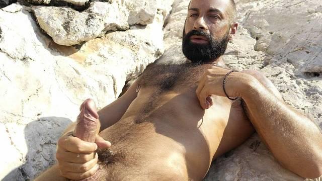 Glistening Bisexual Hunk