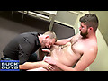 Suck off Guys: Savior this hairy straight dude's cock
