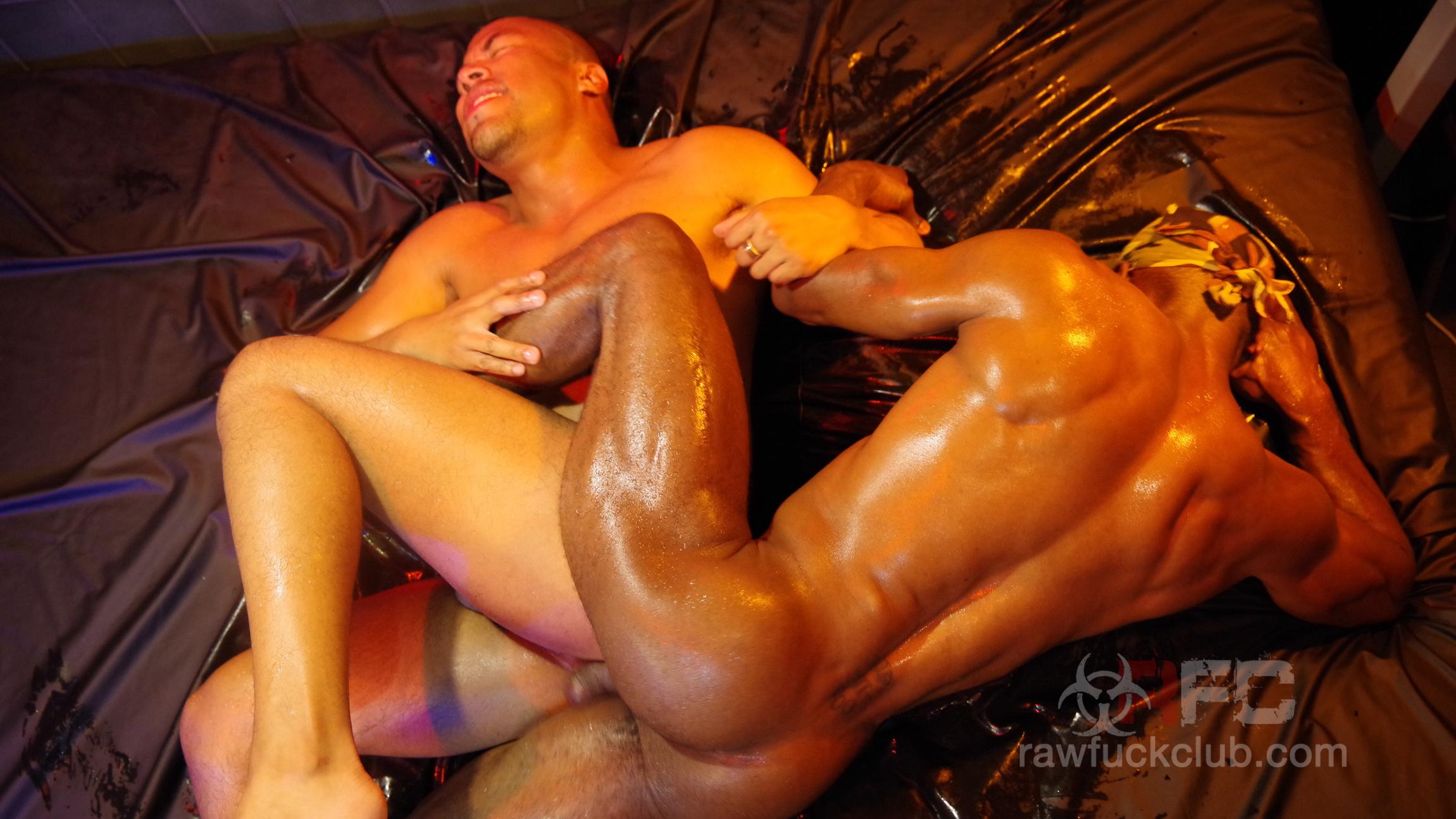 ManSurfer Tiago Mendoza & Troy Moreno