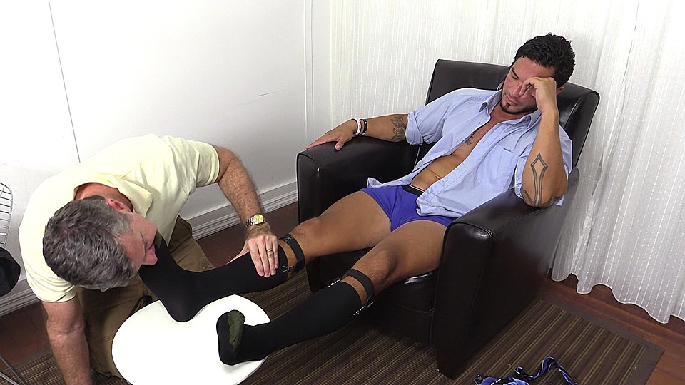 Gay porn muscle strong sniff feet
