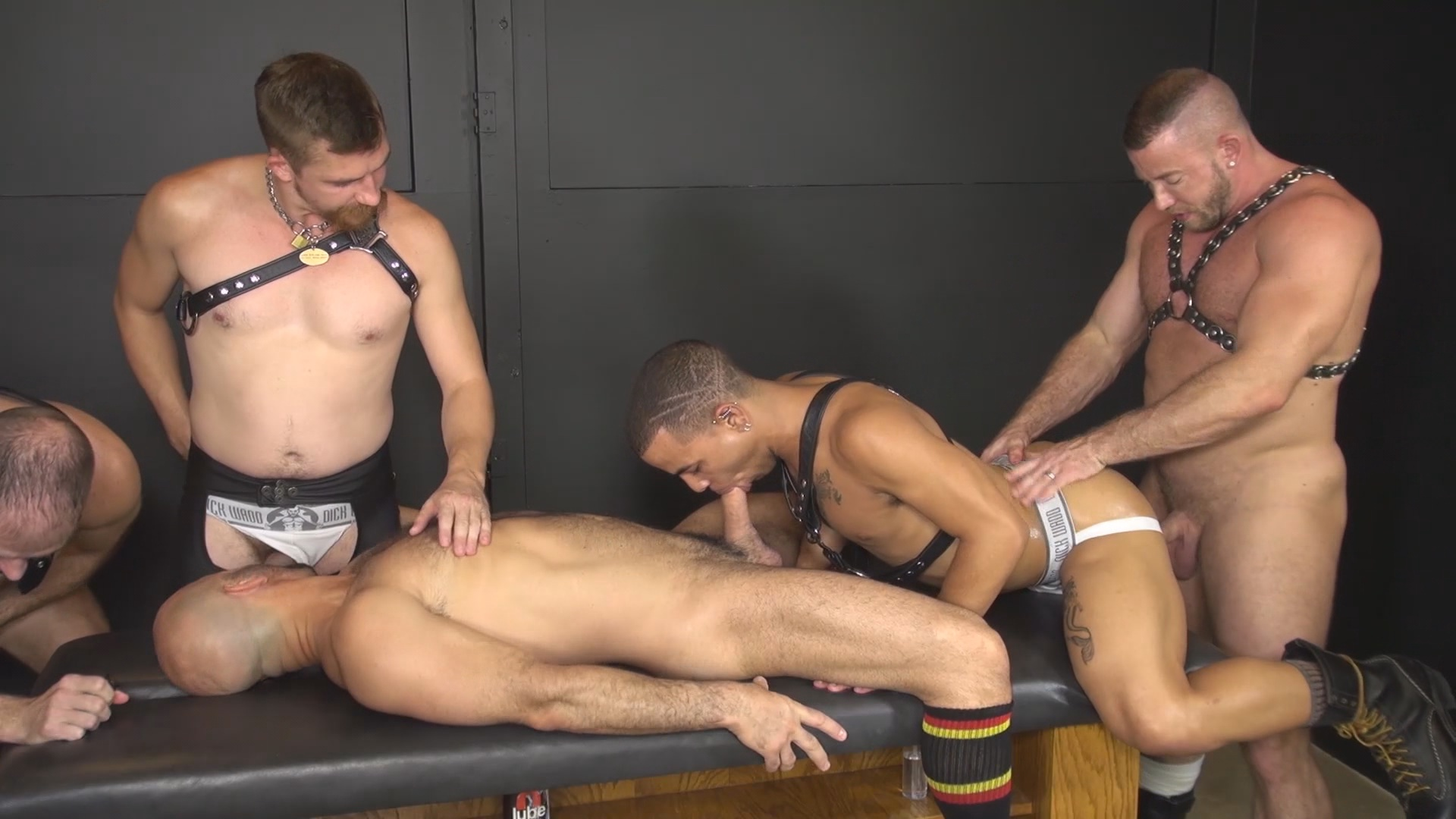 First poppers blowjob pissed on
