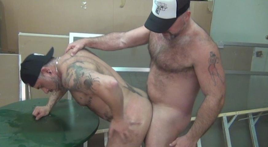 ManSurfer Muscle Bear Hookup