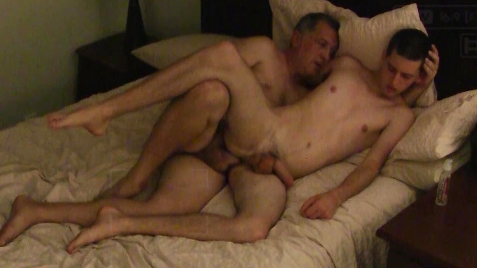Gay twinks fuck first time riding 2