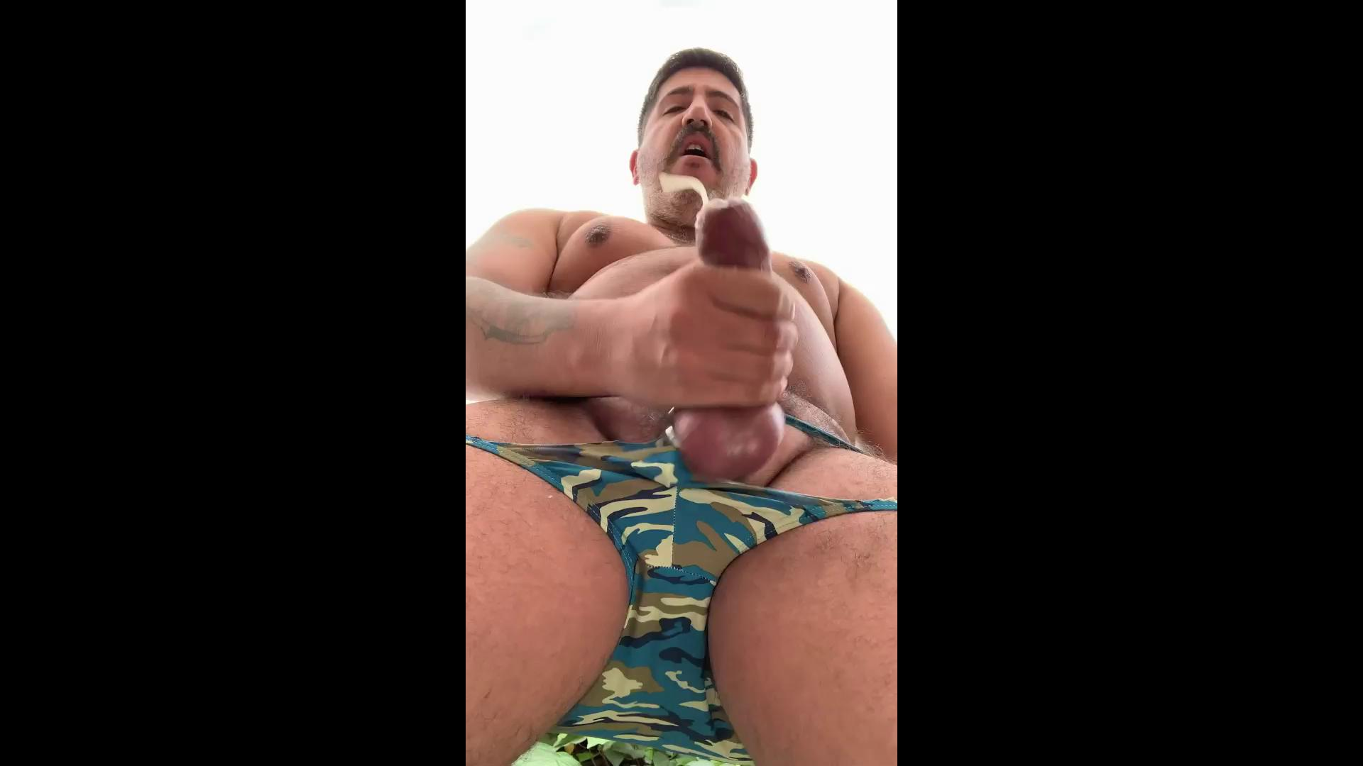 Jacking off while pissing hq porn video