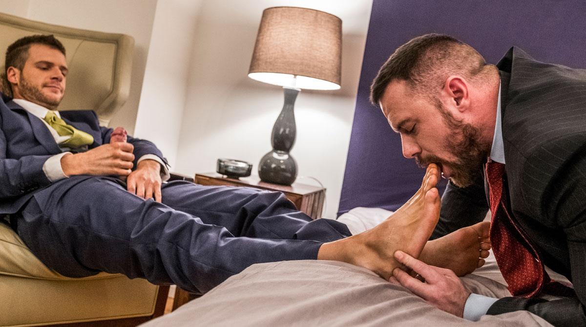 ManSurfer Brian Bonds Embraces Sergeant Miles' Foot Fetish