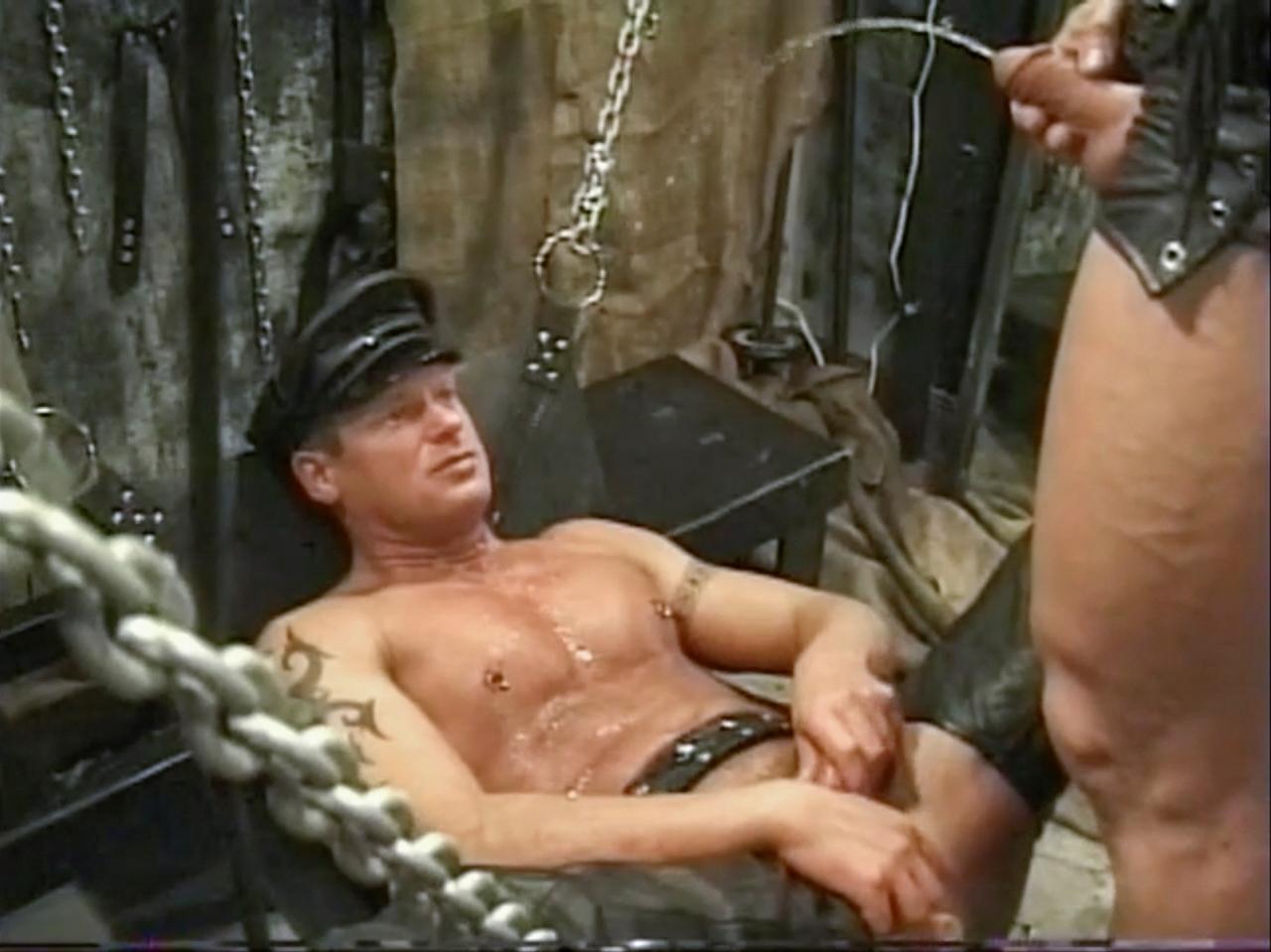 Chaud trentenaire seins porno