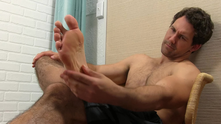 ManSurfer Jet's Sweaty Socks and Bare Feet