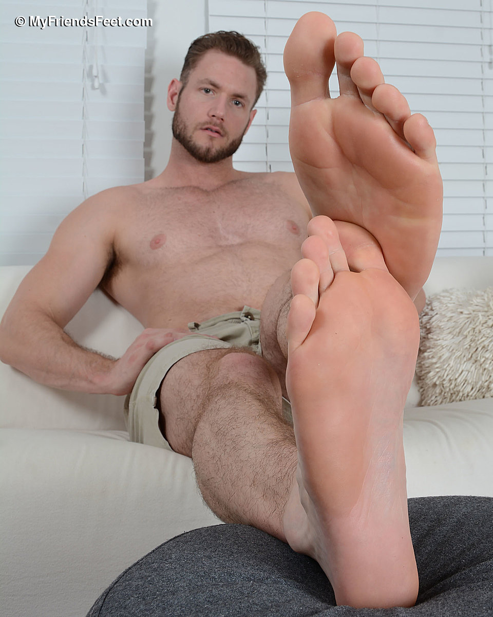 """Ace Heragay Porn ace era's huge size 14 bare feet - gay - ace era is 6'3"""" tall"""