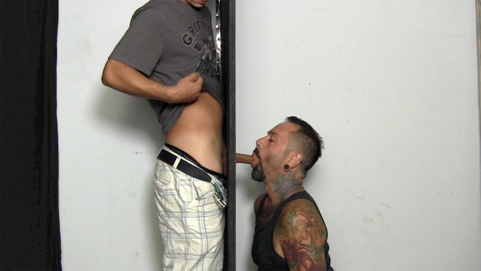 Straight guy tricked when gay gives head
