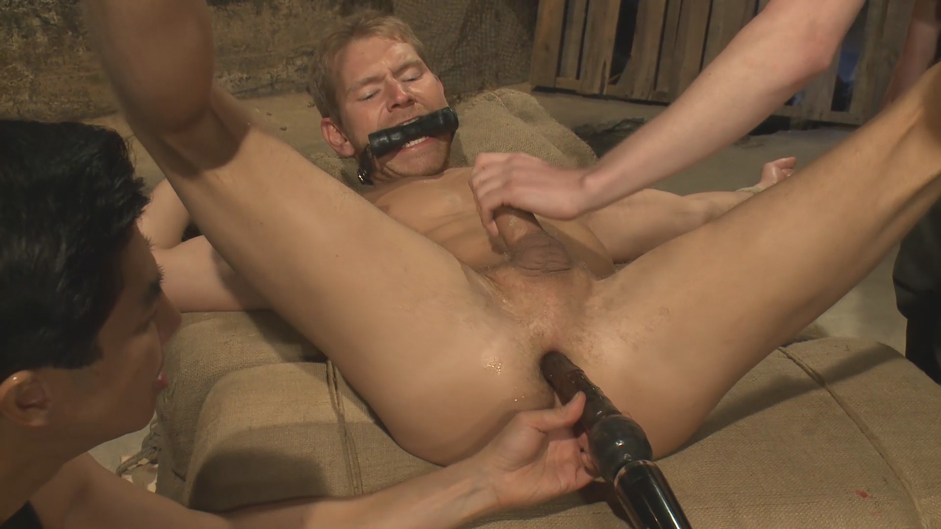 Gay euro male bondage marco wants his let