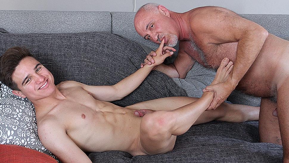 Mature gay homemade clips